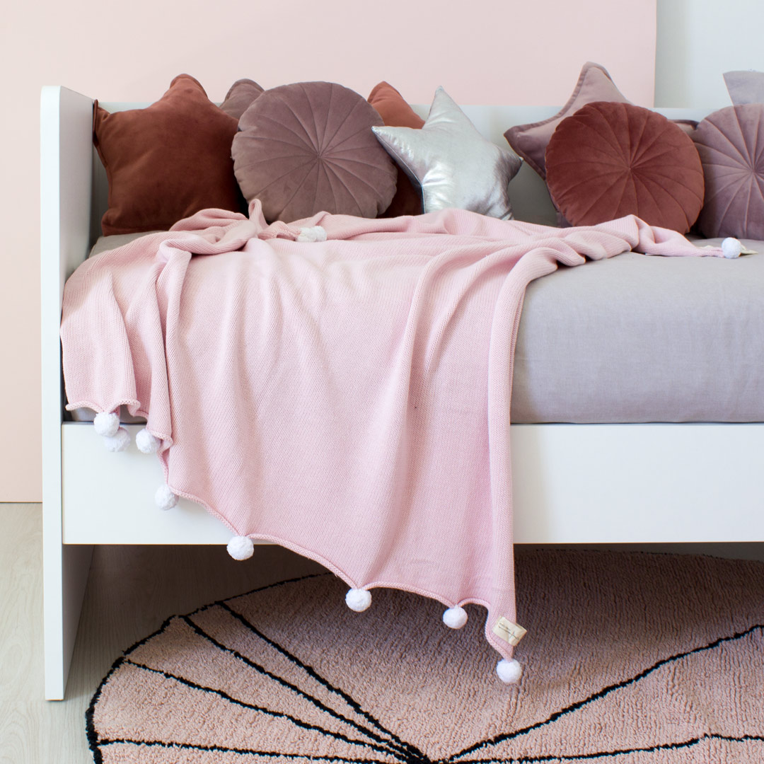 Loki Daybed & Lorena Canals Bubbly Baby Blanket - Soft Pink