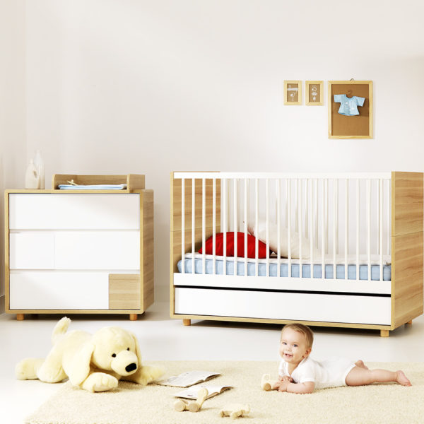 Vox Evolve Cot Bed - Oak & White