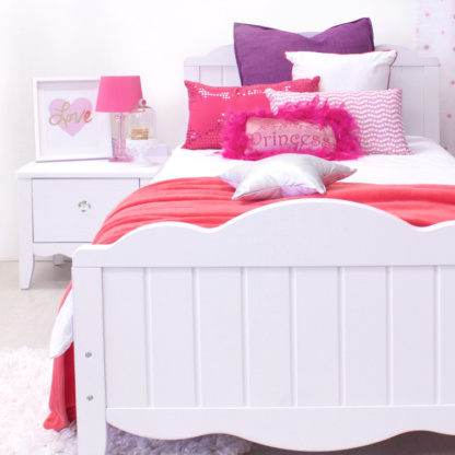 Ruby Bed