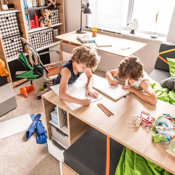 evolve-desk-kids