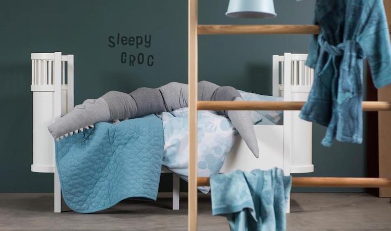 Sebra Cot Bed Clever Little Monkey