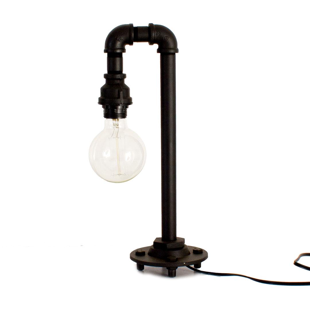 Industriell lampe hjemme design og m bler ideer for Industrial design table lamps