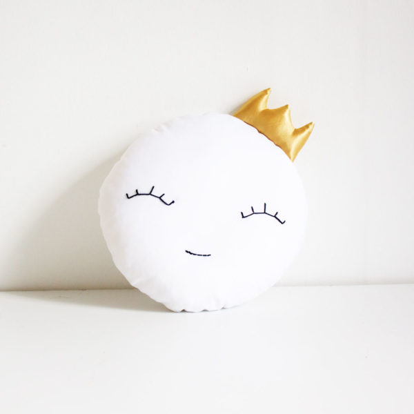 Full Moon with Crown Scatter