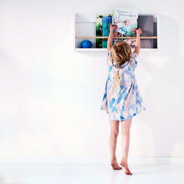 Play Display Shelf White