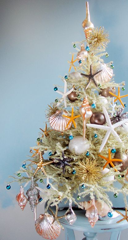 unusual ways to decorate your christmas tree clever little monkey