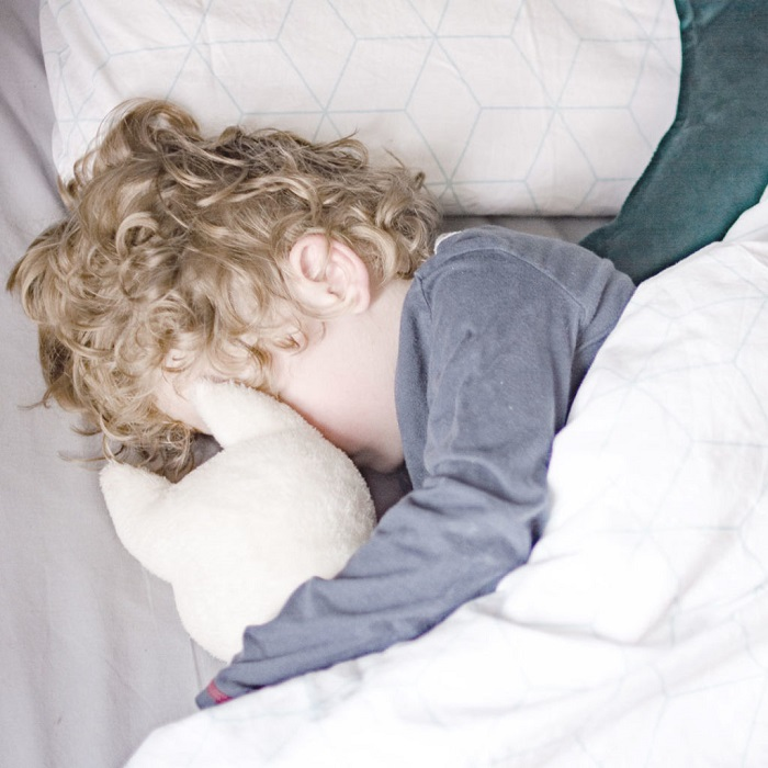 When to Upgrade to a Big Kids Bed - Look for Signs of Readiness