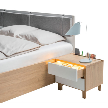 Vox Simple Nightstand Functionality