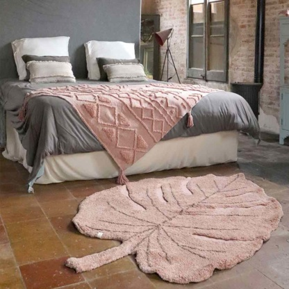 Lorena Canals Monstera Leaf Rug - Vintage Nude Pink